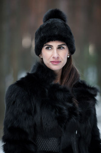 Ladies Winter genuine Fur hat in black ... 7542b34a94f