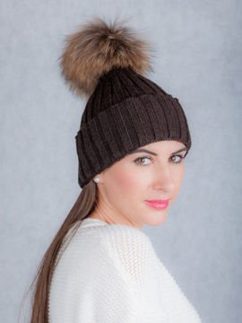 Ladies Fur pompom Ribbed Beanie Hat in brown