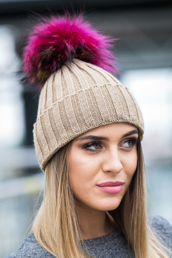 WOOL BEANIE HAT WITH GENUINE RACCOON FUR POM POM
