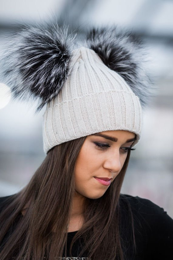 BEANIE WOOL HAT WITH DOUBLE POM POM