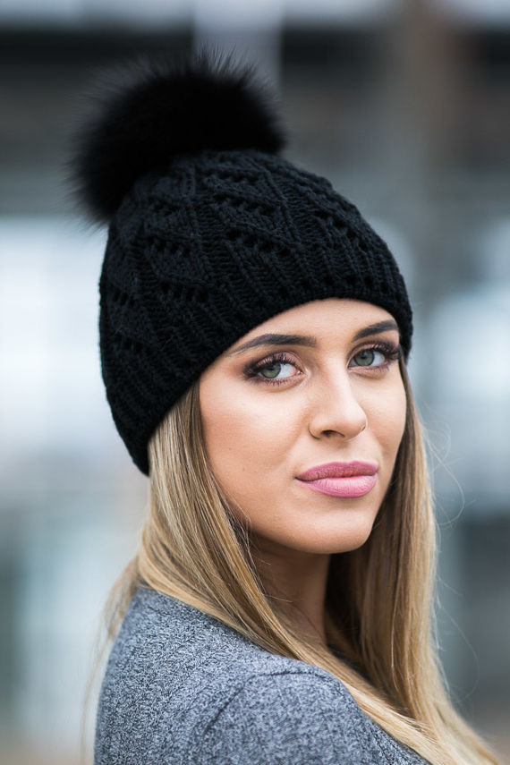 BLACK WOOL HAT WITH GENUINE FOX FUR POM POM