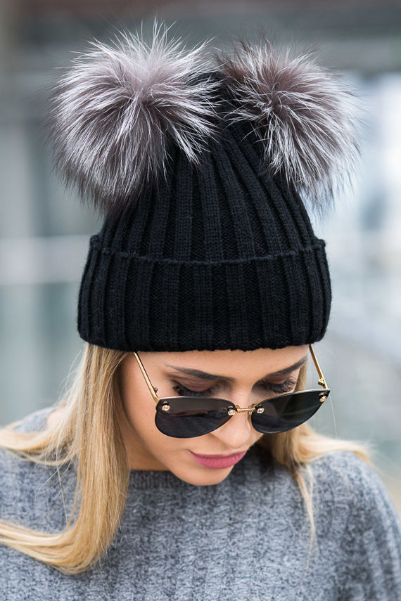 BLACK WOOL HAT WITH TWO GENUINE FOX FUR POMPOMS