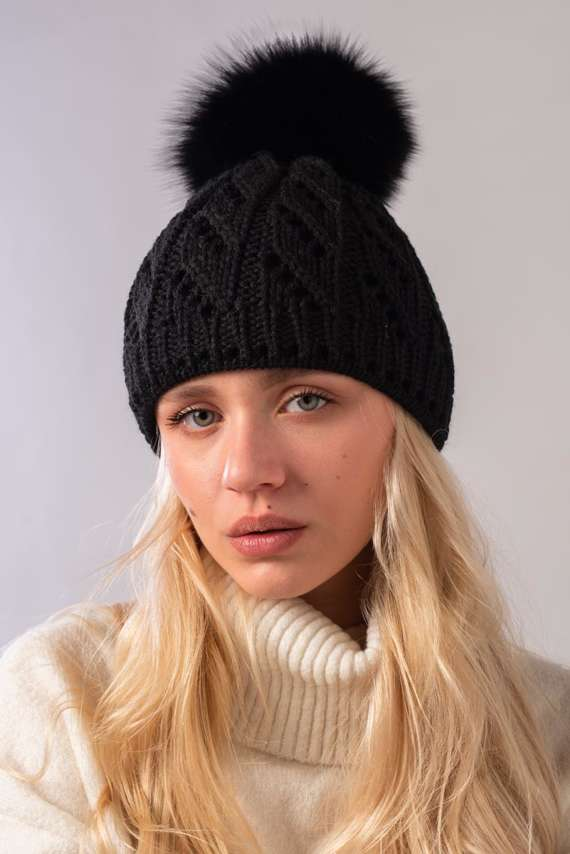 Ladies Winter Beanie Hat with Fur pompom