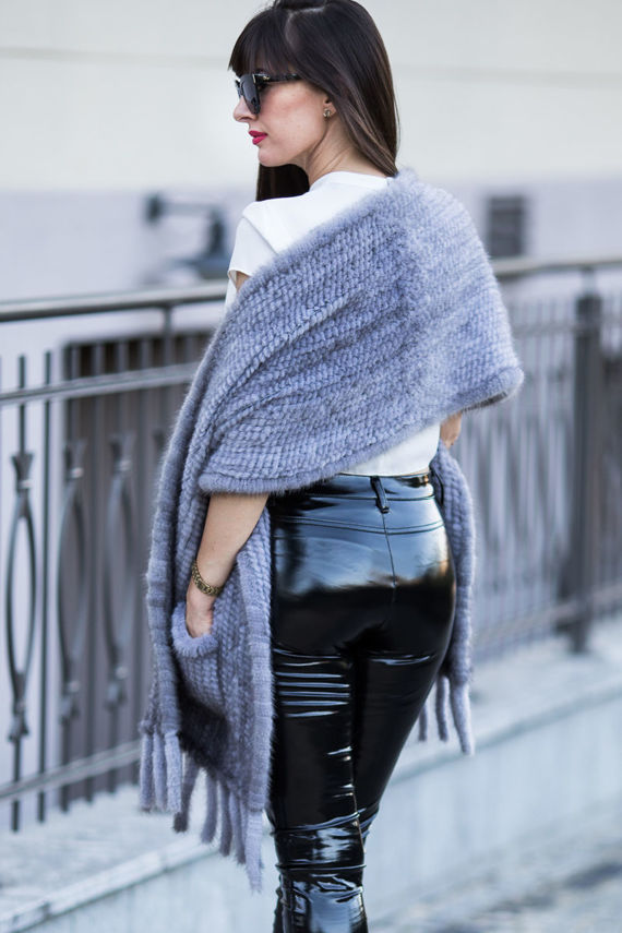 Woman's Genuine Chinchilla Fur Stole