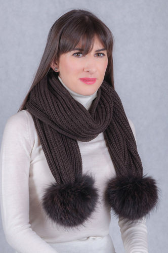 Woolen scarf with pompoms from a natural Finland raccoon fur