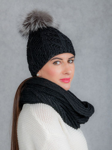 Woollen Cap with Genuine Raccoon Dog Fur Pom-Pom and Neck Chimney